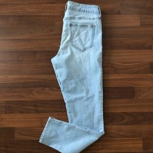 Woman's old navy super skinny jeans size 8
